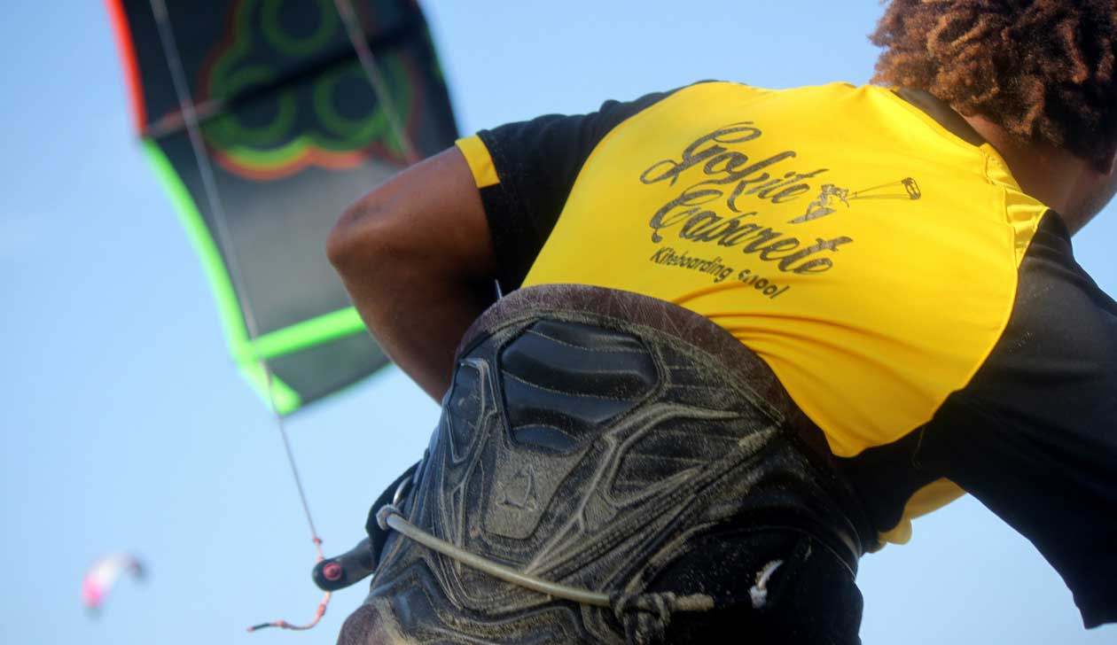 kitesurfing instructors
