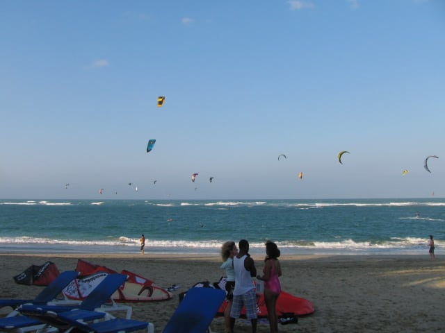 The kites on kite beach Cabaerte